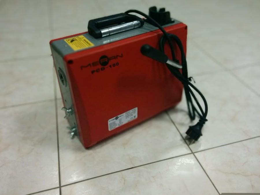 Машина для прочистки труб с электрическим приводом